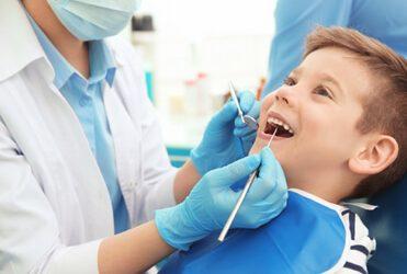 Fleckige Zähne bei Kindern